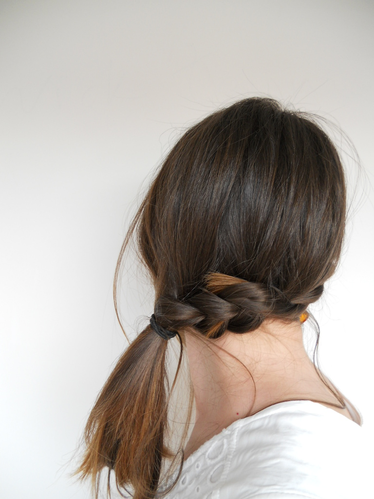 Some easy summer hairstyles