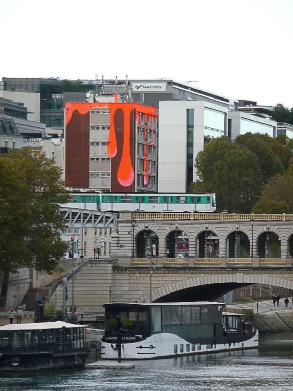 Immeuble sur le quai d'Austerlitz, Paris 13e (75), novembre 2012