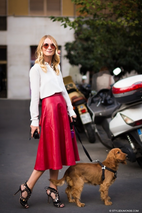 Old_style_leather_skirt_red