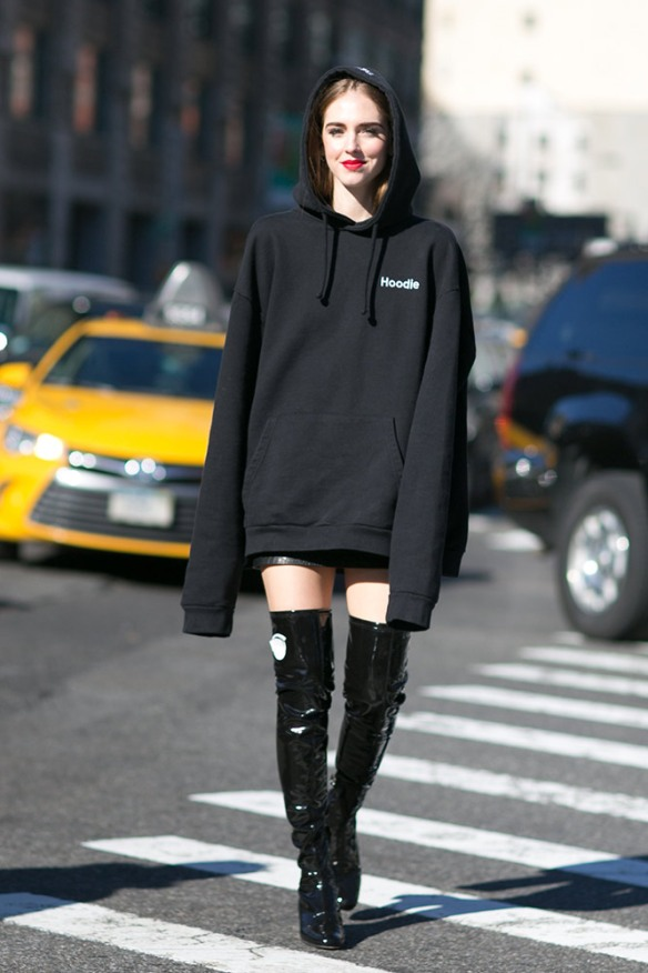 10-black-oversized-hoodie-thigh-high-boots-street-style